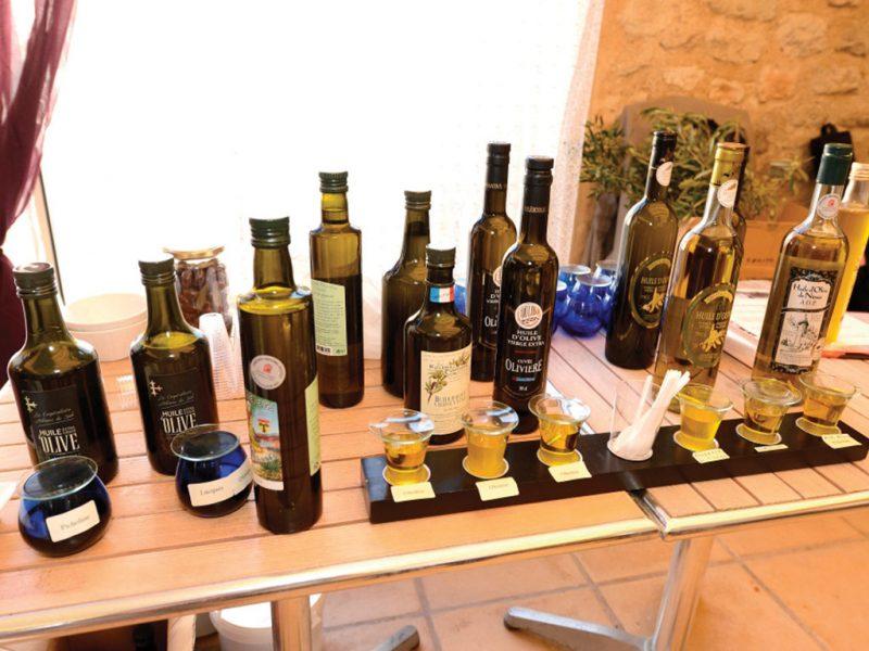 Dégustation des huiles d'olives du concours